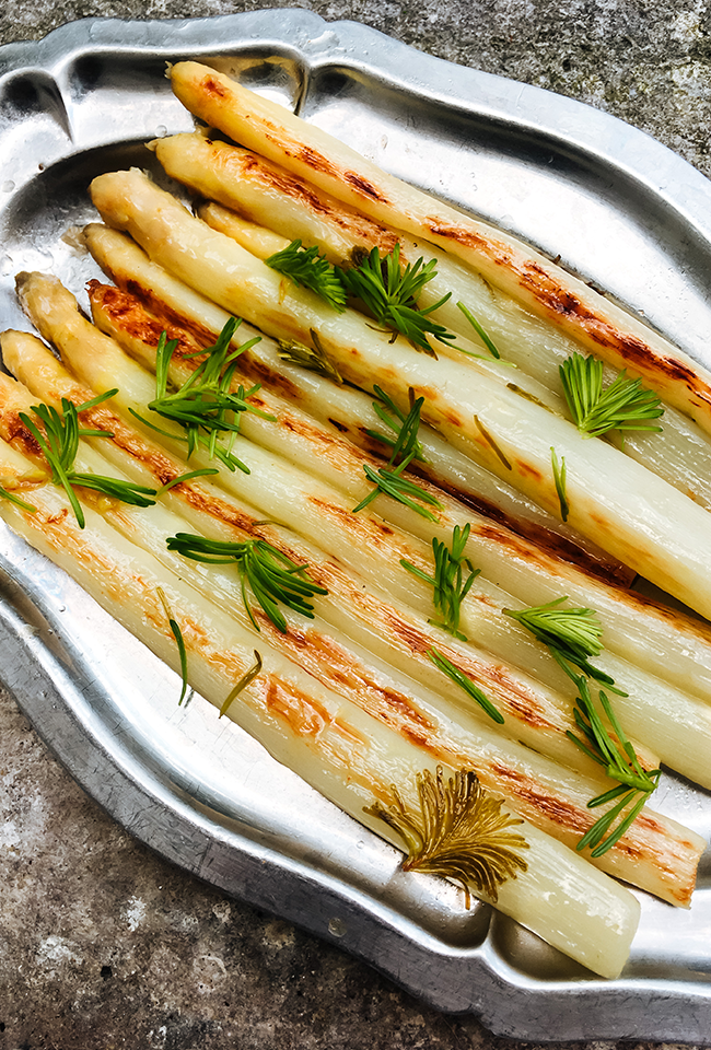 Asperges blanches rôties